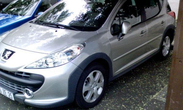 Опубликованы шпионские фото кроссовера Peugeot 207