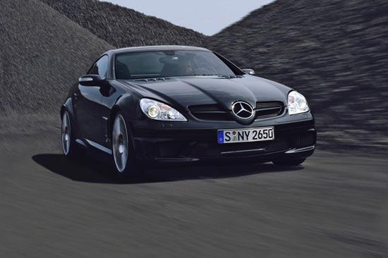 Mercedes SLK расправил черные крылья