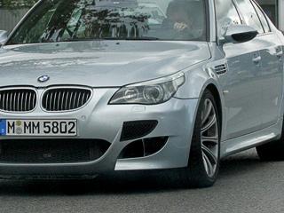 BMW испытывает пару больших «заряженных» седанов