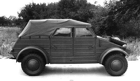 Во время войны завод Volkswagen был переориентирован на призводство военной техники. Такой, как легковой вездеход Kubelwagen (type 82)
