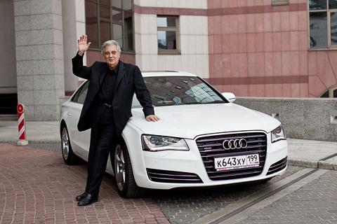 Пласидо Доминго на Audi A8 прибыл на московский концерт