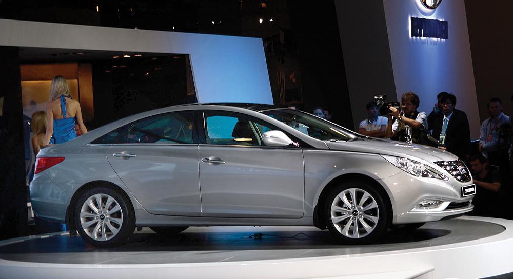 Эксперты проверяют безопасность Hyundai Sonata и VW Jetta