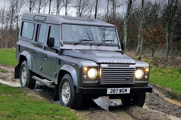 Интерьер от яхты получил Land Rover Defender