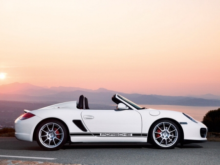 Porsche Boxster стал черным