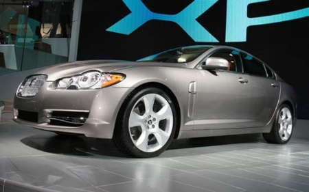 Презентация обновленного Jaguar XF состоится в апреле
