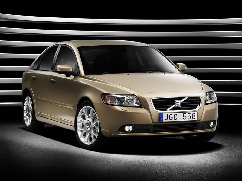 Volvo снимет с производства модели S40 и V50