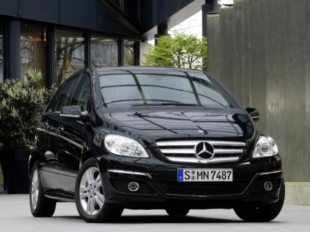 Mercedes-Benz провел предпремьерный показ B-класса нового поколения