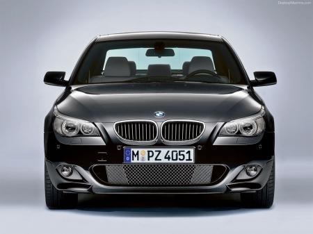 BMW расширил ассортимент гибридомобилей седаном 5-й серии
