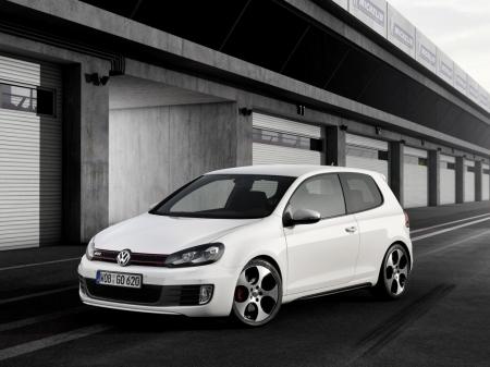 Volkswagen обнародовал цены на «горячий» Golf GTI Edition 35