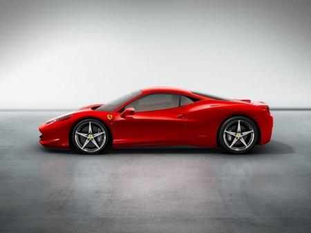 Новая Ferrari – 700 лошадиных сил