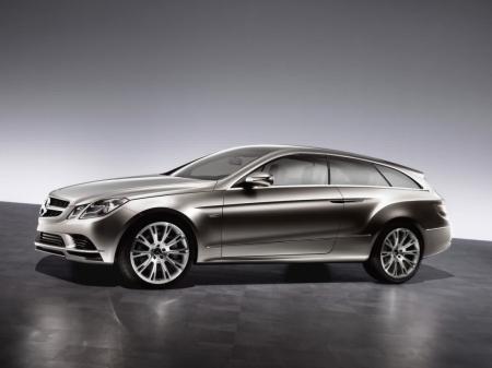 Универсал Mercedes-Benz CLS-класса разоблачили независимые дизайнеры