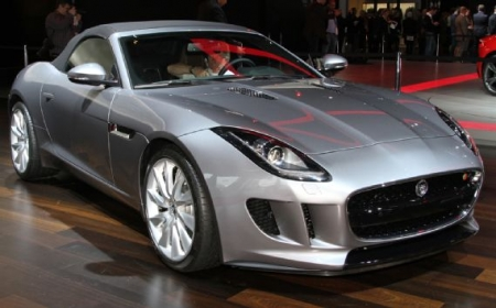 Jaguar F-TYPE в Париже